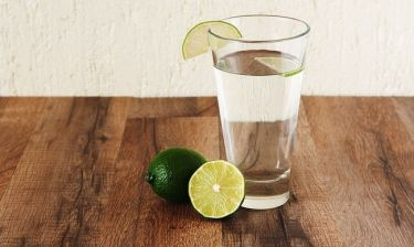 Νερό με λεμόνι & αδυνάτισμα: Ποιες είναι οι παρενέργειες