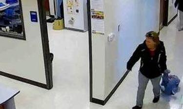 Δασκάλες σέρνουν σε διάδρομο σχολείου επτάχρονο μαθητή με αυτισμό