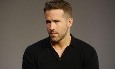 """Ryan Reynolds: «""""Σταρ"""". Όχι, δεν σκέφτοµαι τον εαυτό µου έτσι»"""