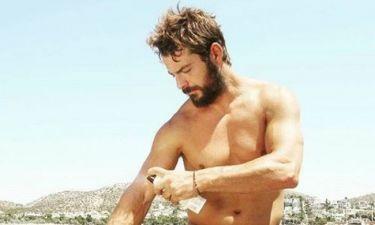 Ο Γιώργος Αγγελόπουλος βάζει αντηλιακό και ρίχνει το instagram
