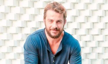 Γιώργος Αγγελόπουλος: Παραδίδει μαθήματα θαλάσσιου σκι σε γνωστή παρουσιάστρια