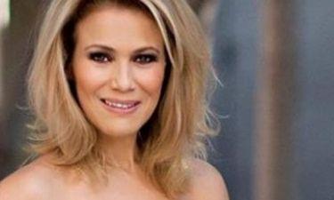 Η Κωνσταντίνα Μιχαήλ με καυτό σορτσάκι «προκαλεί εγκεφαλικά» στην Αντίπαρο