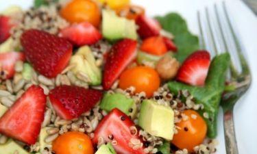 Αυτή τη σαλάτα θα τη γευτείς για μεσημεριανό και δεν θα πεινάσεις καθόλου μέχρι το βραδινό