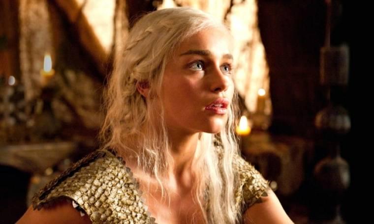 Η Βασίλισσα του Game of Thrones σε μια… γυμνή φωτογράφηση!