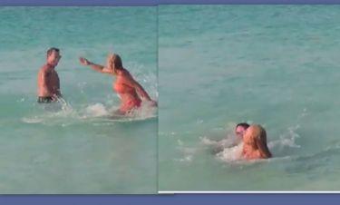 Τα ερωτικά παιχνίδια ζευγαριού της ελληνικής showbiz στη θάλασσα