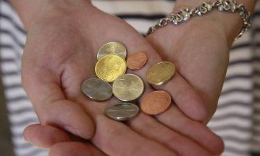 Δυσαρεστημένος επιχειρηματίας πληρώνει το χρέος του με 4,7 εκατομμύρια κέρματα