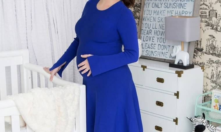 Κι άλλα γεννητούρια! Γνωστή ηθοποιός γέννησε στον όγδοο μήνα ένα υγιέστατο αγοράκι