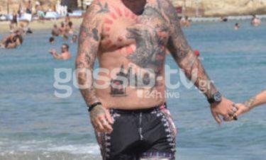 Κρύφτηκε μέσα στα τατουάζ και δεν είναι ο Αλέρτας