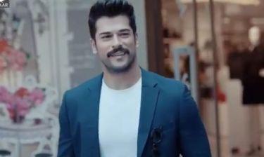 Ο Κεμάλ του «Kara Sevda» πρωταγωνιστεί σε διαφήμιση για εμπορικό κέντρο της Κωνσταντινούπολης