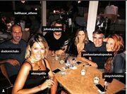 Σίσσυ Χρηστίδου: Μετά τις διακοπές της, βραδινή έξοδος με τους φίλους της (φωτό)