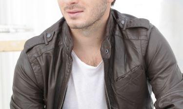 Συγκινεί Έλληνας τραγουδιστής: «Χωρίστηκα από τον αδελφό μου, ήταν σαν να μηδένισε το κοντέρ»
