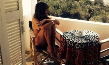 Η Μάγκυ Χαραλαμπίδου ποζάρει topless και ρίχνει το instagram!