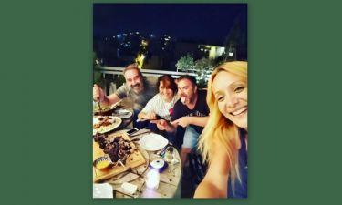 Η μυστική συνάντηση Ζαρίφη-Γκουντάρα και η ατάκα: «οι φίλοι στα δύσκολα φαίνονται»