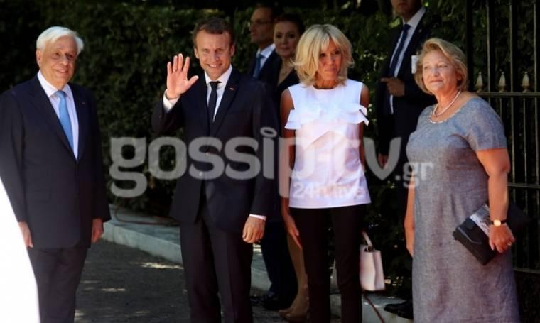 Μακρόν-Τρονιέ:  Η άφιξη τους στο Προεδρικό Μέγαρο- Έκλεψε τις εντυπώσεις η πρώτη κυρία της Γαλλίας
