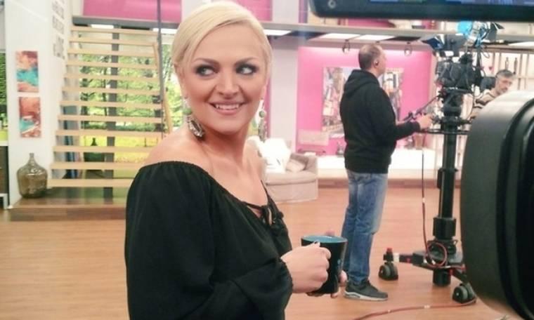 Χριστίνα Λαμπίρη: Δείτε ποιος τραγουδιστής ερμηνεύει το τραγούδι της νέας της εκπομπής