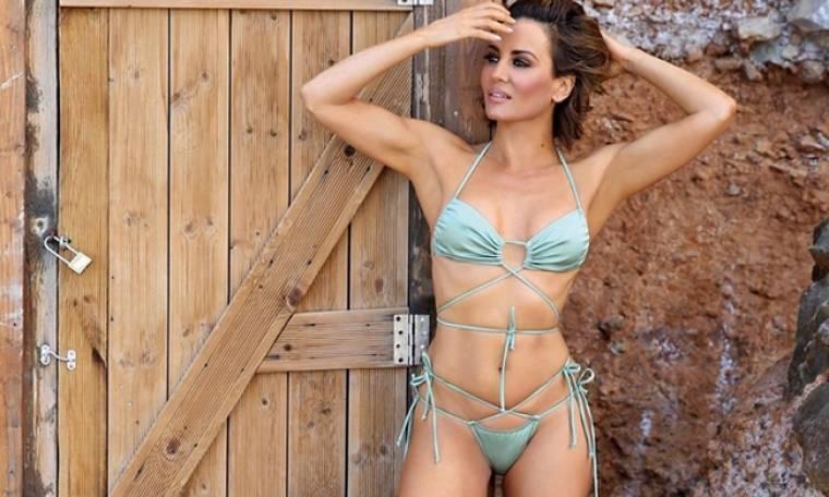 H Δήμητρα Ματσούκα κάνει yoga στην παραλία με αποκαλυπτικό μπικίνι και ρίχνει το instagram!
