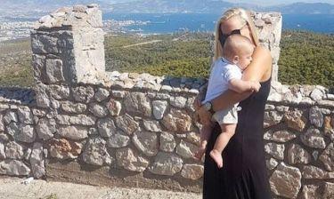 Ελευθερία Παντελιδάκη: Στην εκκλησία με τον γιο της