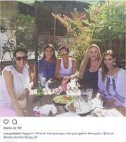 Δείτε με ποιες γνωστές κυρίες απόλαυσε το φαγητό της η Σταματίνα Τσιμτσιλή