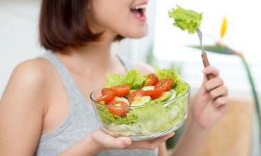 Τι ώρα πρέπει να τρώτε κάθε γεύμα της ημέρας ανάλογα με την ώρα που ξυπνάτε