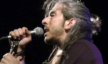Ο Γιάννης Χαρούλης live στο Κατράκειο Θέατρο
