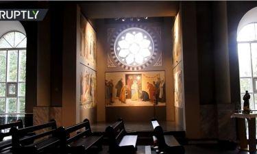 Πούτιν, Ομπάμα και Δαλάι Λάμα: Τοιχογραφία σε Καθολικό ναό τους απεικονίζει ως τρεις Μάγους (Vid)