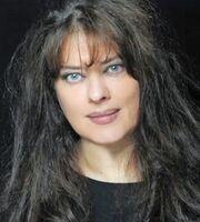 Λίνα Μαρκάκη: Η «Λάμψη» του Φώσκολου, η απουσία ετών από τη δημοσιότητα και η επιστροφή