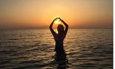 Ιωάννα Λίλη: Η φωτογραφία στο ηλιοβασίλεμα και το μήνυμα