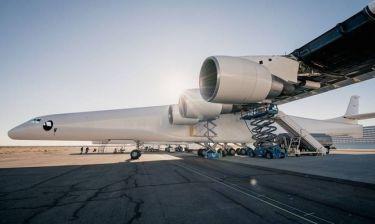Stratolaunch: Το μεγαλύτερο αεροπλάνο στον κόσμο τεστάρει τους 6 γιγάντιους κινητήρες του (Pics+Vid)