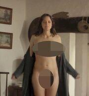 Η Κοτιγιάρ τα πέταξε όλα στη νέα της ταινία