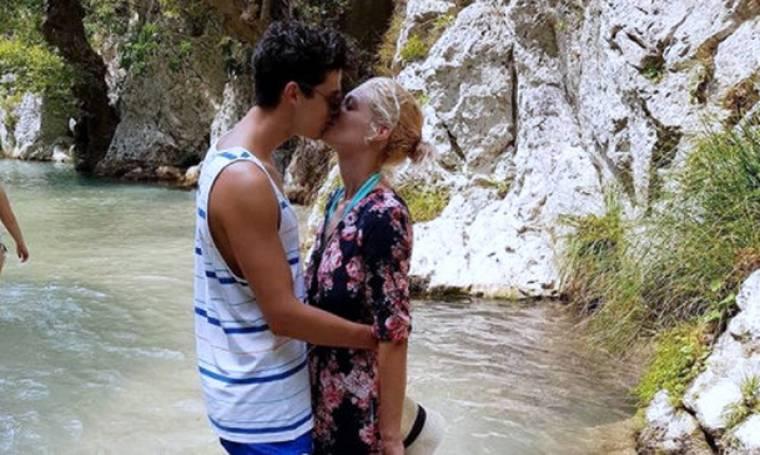 Έξαλλη Ελληνίδα καλλονή: «Ας σταματήσουν επιτέλους τις κακοήθειες ότι χώρισα»