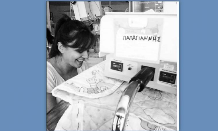 Αγγελική Δαλιάνη: Η φωτογραφία με το νεογέννητό γιο της στη θερμοκοιτίδα