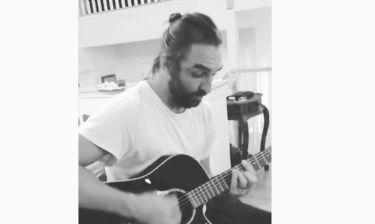 Ο Ιβάν Σβιτάιλο δεν χορεύει μόνο, παίζει και… κιθάρα