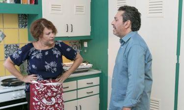 Ο άντρας των ονείρων μου: Η Βίκυ το σκάει από το σπίτι για να συναντήσει τον αγαπημένο της