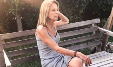Πέγκυ Σταθακοπούλου: Η φωτό της ξυπόλητη και το μήνυμα όλο νόημα