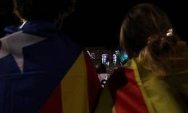 Λαβωμένη, διχασμένη και σε αχαρτογράφητα νερά η Ισπανία