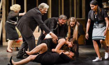 Ο «Αύγουστος» κάνει πρεμιέρα 4 Οκτωβρίου σε σκηνοθεσία Μαρκουλάκη