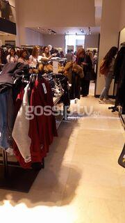 Μάρω Κοντού: Το βαρύ πένθος και η έντονη αδιαθεσία σε κατάστημα στο κέντρο! (φωτό)