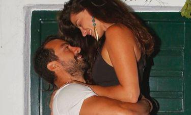 Τρελά ερωτευμένος ο Τανιμανίδης με την Μπόμπα – Δείτε το βίντεο από τη βόλτα τους