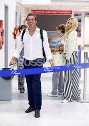 Δούκισσα Νομικού – Δημήτρης Θεοδωρίδης: Τους «τσακώσαμε» στο αεροδρόμιο