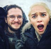 Game Of Thrones: Στη Μύκονο η «μητέρα των δράκων» Emilia Clarke