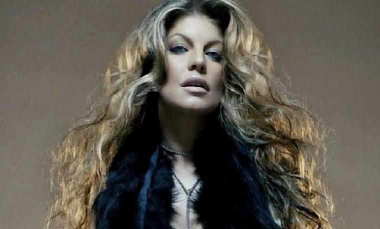 Καπνογόνα για την νέα φωτογράφιση της Fergie