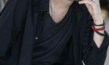 Έλληνας τραγουδιστής παραδέχεται: «Έχω κόψει εντελώς τα ναρκωτικά εδώ και δέκα χρόνια!»
