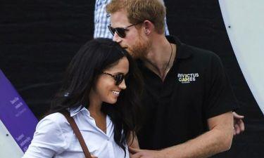 Η κίνηση της Meghan Markle που πρόδωσε τον αρραβώνα της με τον πρίγκιπα Harry