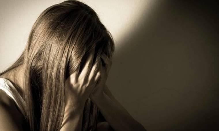 Ρόδος: Καταγγελία - σοκ 20χρονης: «Με χτύπησε, μου έσκισε τη μπλούζα και με βίασε»