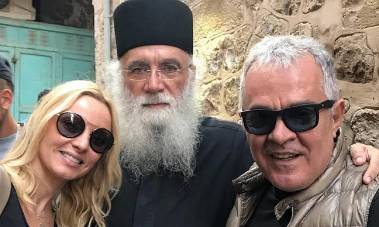 Ζήνα-Λύρας: Συνάντησαν τον ιερέα που τους πάντρεψε στα Ιεροσόλυμα
