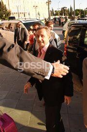 Carla Bruni-Nicolas Sarkozy: Με το χαμόγελο στα... χείλη