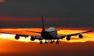 Καιρός: Ανατριχιαστική φωτογραφία στη Ρόδο - Το αεροπλάνο προσγειώνεται την ώρα που…