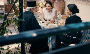 Κόκκινο νυφικό: Τα τρία κορίτσια βιώνουν τα πρωτοφανή αποτελέσματα της δημοσιότητας