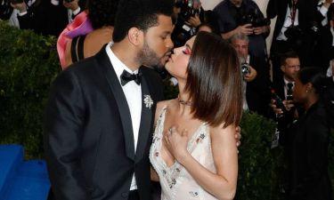 Οι φήμες επιβεβαιώθηκαν! Η Selena Gomez και ο Weeknd μόλις χώρισαν