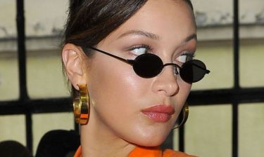 Διάλεξε τα γυαλιά σου ανάλογα με το χρώμα και το στυλ των μαλλιών σου